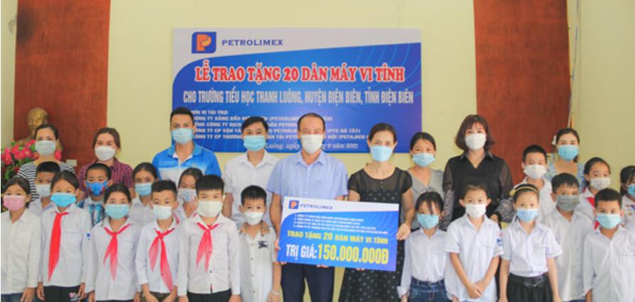 20 bộ máy tính hỗ trợ Trường tiểu học Thanh Luông học tập trực tuyến