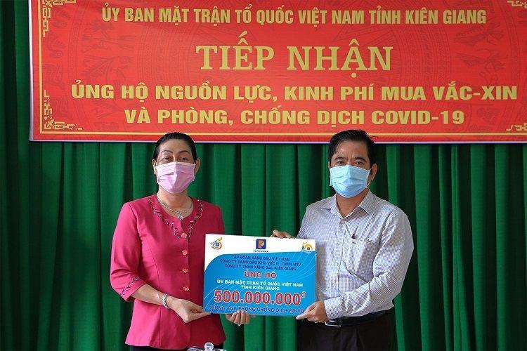 Petrolimex Kiên Giang đóng góp 500 triệu phòng chống dịch Covid-19